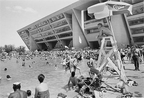 Lynn Lennon, Beach Party, Dallas City Hall, 1984, gelatin silver print, Dallas Museum of Art, Mr. and Mrs. Homer B. Jester Fund