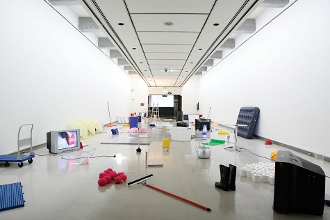 EVERYTHING IS EVERYTHING, 2006, Eight channel DVDs, color, sound and materials in everyday use, dimension variable, installed at Taipei Biennial 2006 in Taipei Fine Arts Museum. Image courtesy of the artist, Aoyama Meguro, Tokyo, and Vitamin Creative Space, Guangzhou.