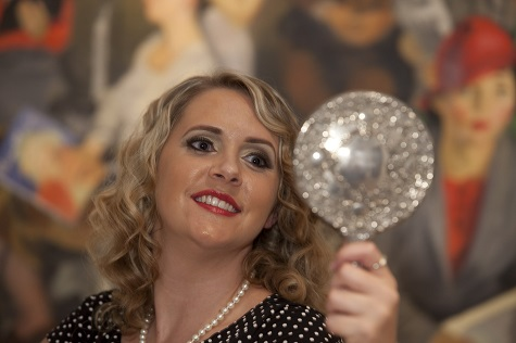 Stephanie with the vintage mirror