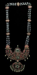 Necklace, 1820–1860, India, Tanjore, gold, pearls, diamonds, rubies, and emeralds, Dallas Museum of Art, gift of David T. Owsley in memory of his mother Lucy Ball Owsley via the Alconda-Owsley Foundation