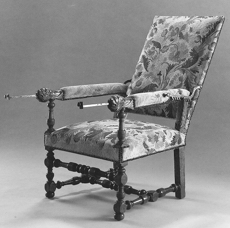 The Reclining Chair in the Library, shown with the rods pulled out