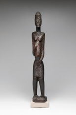 Standing female figure, 11th–13th century, pre-Dogon culture, Djenennke/Soninke, Bandiagara Plateau, Mali, Afric, wood and oil, Dallas Museum of Art, The Gustave and Franyo Schindler Collection of African Sculpture, gift of the McDermott Foundation in honor of Eugene McDermott