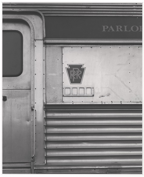 James Welling, Pennsylvania Railroad, 1990, Negative November 2,1990, gelatin silver print on Oriental Seagull photographic paper, Dallas Museum of Art, Director's Enhancement Fund © James Welling