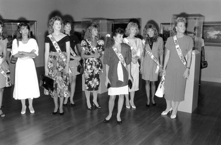 Mrs. International 1989 contestants visit the DMA.