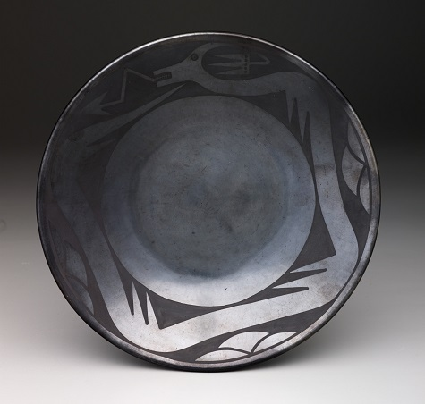 Maria Martinez and Santana Martinez, Plate with avanyu design, 1943-1956, Dallas Museum of Art, Foundation for the Arts Collection, gift of Mr. and Mrs. Duncan E. Boeckman, 1987.343.FA