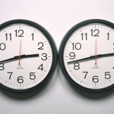Félix González-Torres, Untitled (Perfect Lovers), 1987-1990, wall clocks, Dallas Museum of Art, fractional gift of The Rachofsky Collection © The Felix Gonzalez-Torres Foundation, courtesy of Andrea Rosen Gallery, New York