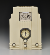 "Harold Van Doren and John Gordon Rideout, ""Air King"" radio, 1933, Dallas Museum of Art, 20th-Century Design Fund, 1999.50"
